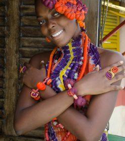 collier talisman - fleurs Africouleur by Férouz