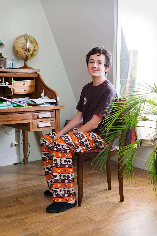 pantalon africain homme simple en wax africouleur. Black Bedroom Furniture Sets. Home Design Ideas