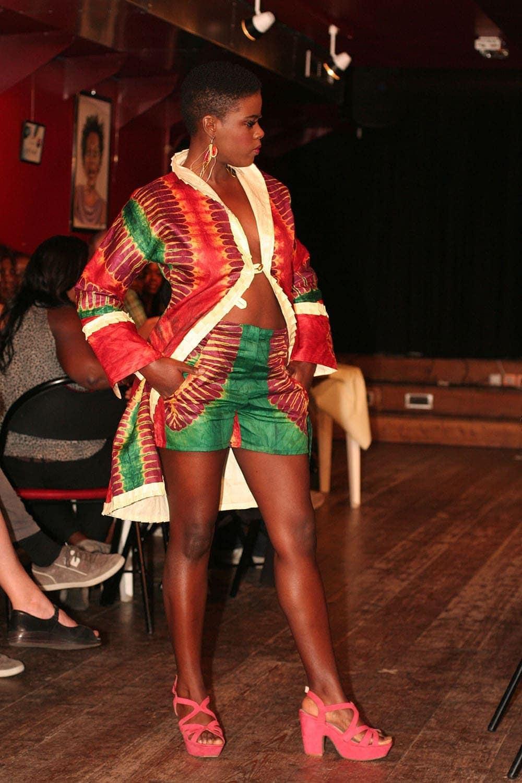 short africain femme fez africouleur. Black Bedroom Furniture Sets. Home Design Ideas