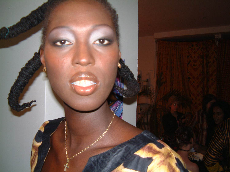 D fil de mode africaine 2004 les amazones backstage for Boite africaine paris