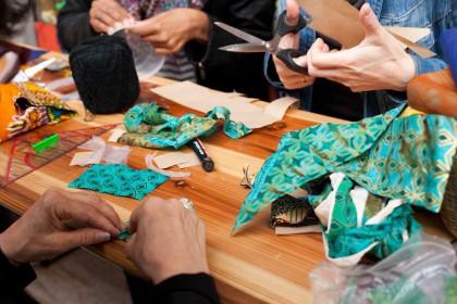 Atelier de création de bijoux africains