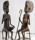 Couple de vieux Dogons en bronze - Africouleur