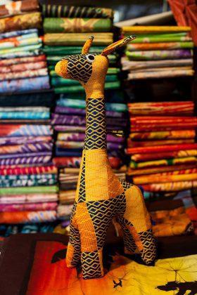 Girafe en tissu africain