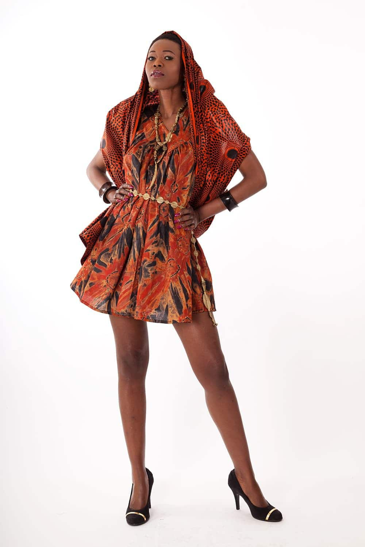 robe africaine courte victoire en bazin africouleur. Black Bedroom Furniture Sets. Home Design Ideas