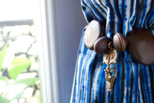 Embrasse de rideaux poupée Ashanti et graines - Africouleur