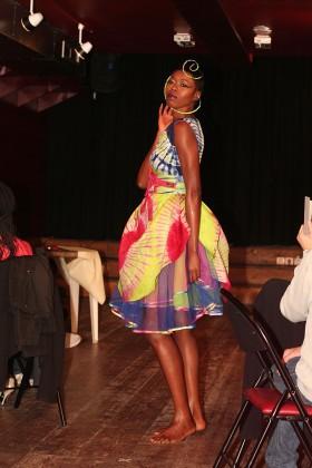 71a9883df710 Défilé 2014 en hommage à Joséphine BAKER. Férouz présente ses collections  de mode ...