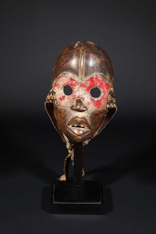 Masque Dan de Côte d'Ivoire au bandeau rouge
