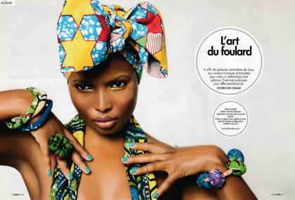 L'art de porter le foulard africain dans Brune