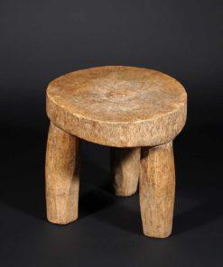 Tabouret africain du Togo en bois dur à 3 pieds