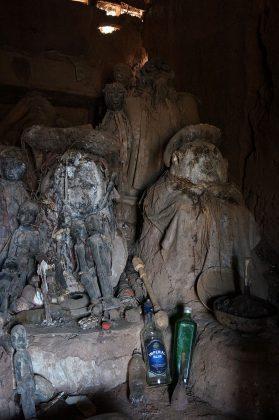 L'autel du féticheur vaudou