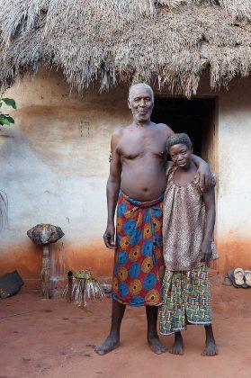 Le féticheur vaudou et sa femme