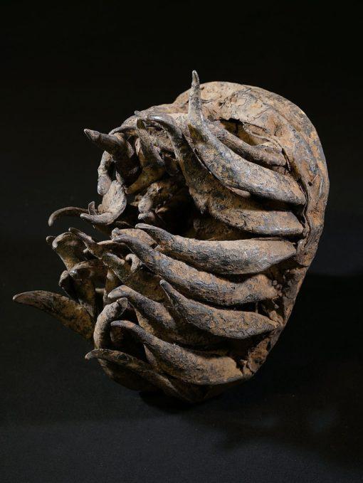 Masque de féticheur vaudou à cornes de béliers