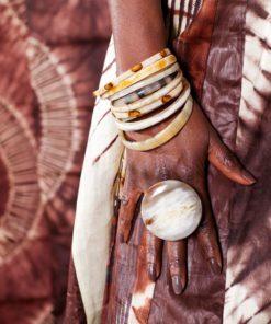 Bague et bracelets cornes