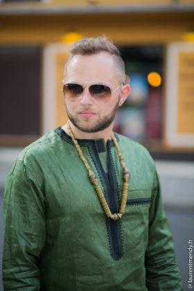 Chemise homme brodée vert et noir