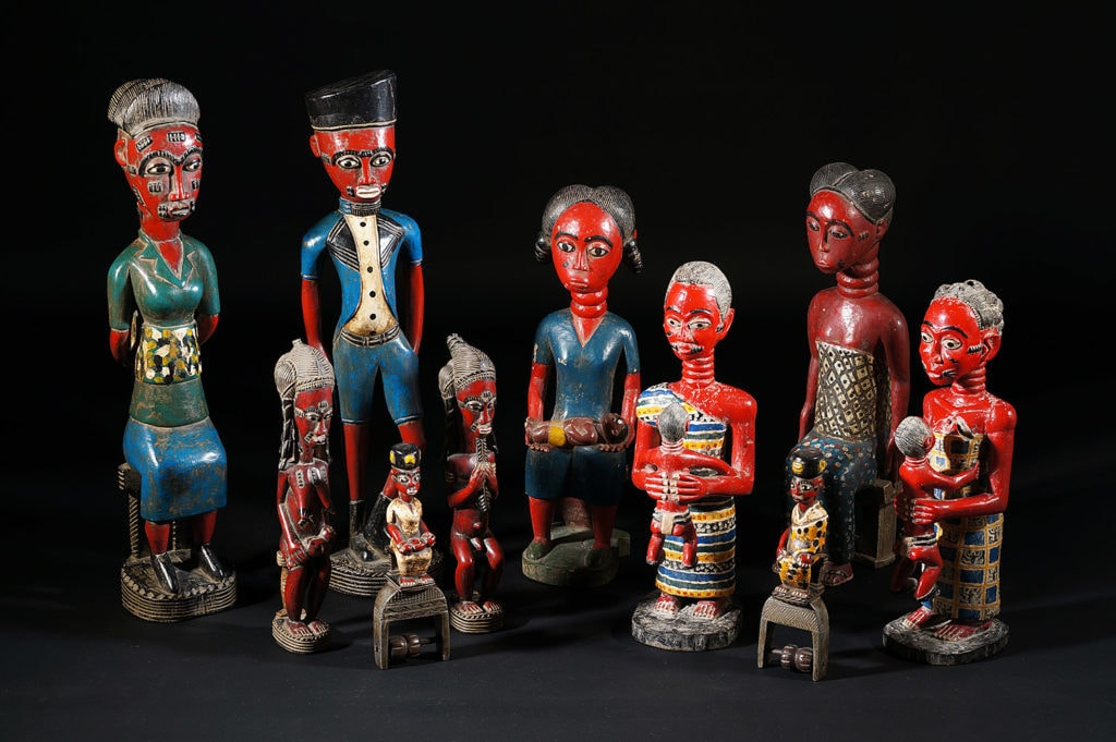 """Groupe de statues africaines """"colon"""""""