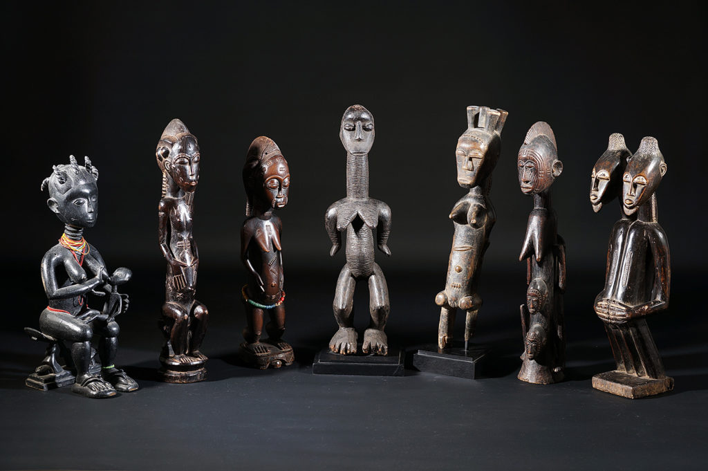 Groupe de statuettes africaines