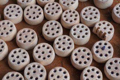 Refroidissement des moules en argiles avec les perles