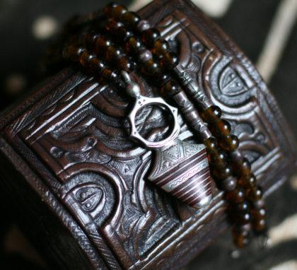 Collier touareg et boîte en cuir touareg