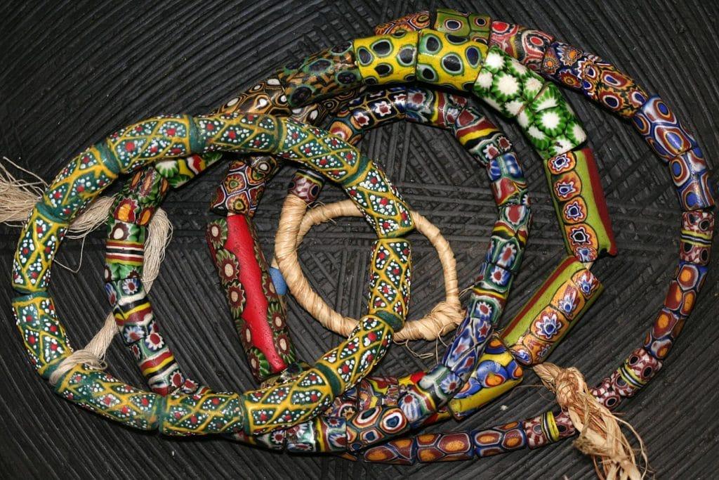 Perles africaines millefiori anciennes et modernes