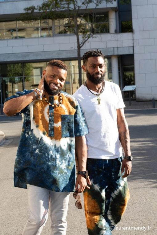 Haut et bas de boubou africain homme portés séparément