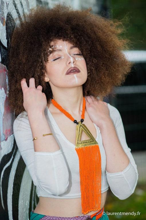 Collier bronze et perles orange