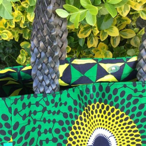 Sac en tissu africain vert et jaune avec anses en cuir