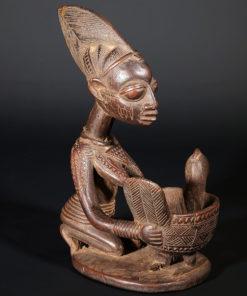 Statuette africaine Agéré Yoruba porteuse de coupe